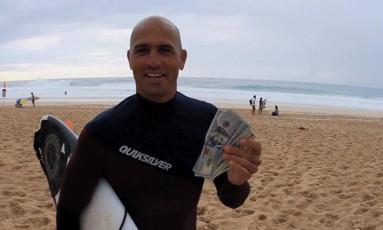 Kelly Slater é o surfista que mais faturou com premiações em campeonatos Foto: Reprodução