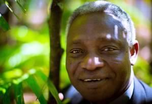 Nascido em Gana, cardeal Peter Turkzon é presidente do Pontifício Conselho Justiça e Paz e envolvido com a causa ambiental Foto: Daniel Marenco / Agência O Globo