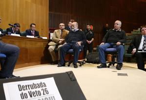 BR Curitiba(PR) 01/09/2015 - Em Acareação, o ex-tesoureiro Vaccari Neto e o ex-diretor da Petrobras Renato Duque. Geraldo Bubniak/Agência O GLOBO Foto: Geraldo Bubniak