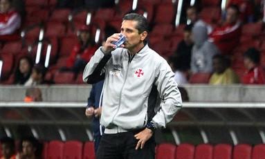 O técnico Jorginho na goleada para o Internacional Foto: Divulgação