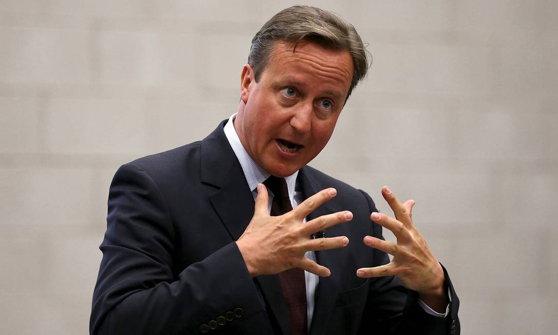 Cameron em evento de governo: premier prometeu mudança na forma como Reino Unido lidará com a cris migratória Foto: POOL / REUTERS
