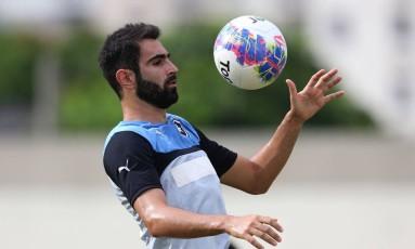 Renan Fonseca no treino do Botafogo Foto: Satiro Sodre / SSPress