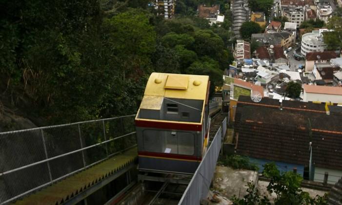 Plano inclinado do Santa Marta, em Botafogo Foto: Mônica Imbuzeiro / Agência O Globo
