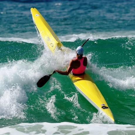 O surf ski é bastante praticado nas praias australianas Foto: Reprodução