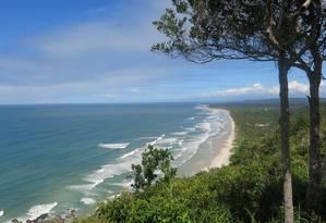 Vista para a Serra Grande, perto de Itacaré: 34 quilômetros da praia deserta Foto: Natasha Mazzacaro / Agência O Globo