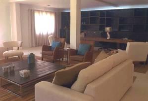 Sala de estar da casa de Dirceu em Valinhos custou R$ 140 mil, segundo arquiteta que fez projeto Foto: Reprodução