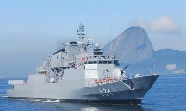 A Corveta Barroso na Baía de Guanabara, em foto de 2011 Foto: Reprodução / Facebook Marinha do Brasil