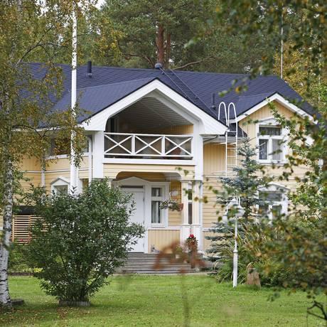 A casa de campo do primeiro-ministro finlandês Juha Sipila em Kempele, a 500 quilômetros da capital finlandesa Foto: TIMO HEIKKALA / AFP