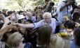 Bernie Sanders em evento de campanha em Iowa: senador faz sucesso entre jovens
