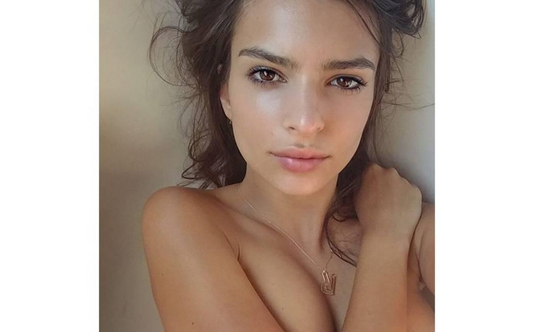 A modelo Emily Ratajkowski poderia criar uma nova conta só com suas fotos ousadas Instagram / @emrata