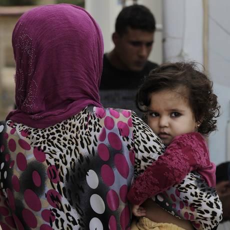 Refugiados sírios em Zahrani, no Líbano Foto: Bilal Hussein / AP