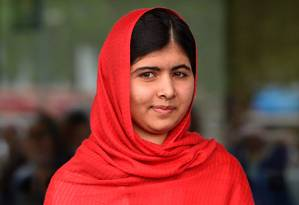 A estudante Malala: baleada na cabeça em 2012, ela recebeu o Nobel da Paz em 2014 Foto: PAUL ELLIS / AFP
