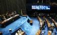 Senado aprova texto final da reforma política e cota para mulheres