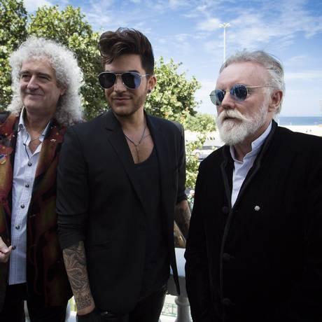 Brian May, Adam Lambert e Roger Taylor: o novo Queen Foto: Fernando Lemos / Agência O Globo