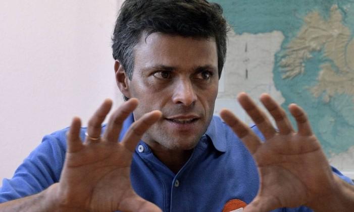 Líder oposicionista venezuelano Leopoldo Lopez em entrevista sobre protestos contra regime de Maduro em fevereiro do ano passado Foto: JUAN BARRETO / AFP