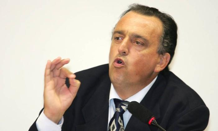 O ex-deputado Pedro Henry durante sessão do Conselho de Ética da Câmara Foto: Roberto Stuckert Filho / Agência O Globo