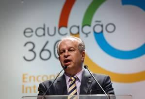 O ministro da Educação, Renato Janine, participou do Encontro Internacional Educação 360°, promovido pelos jornais O Globo e Extra Foto: Pablo Jacob / Agência O Globo