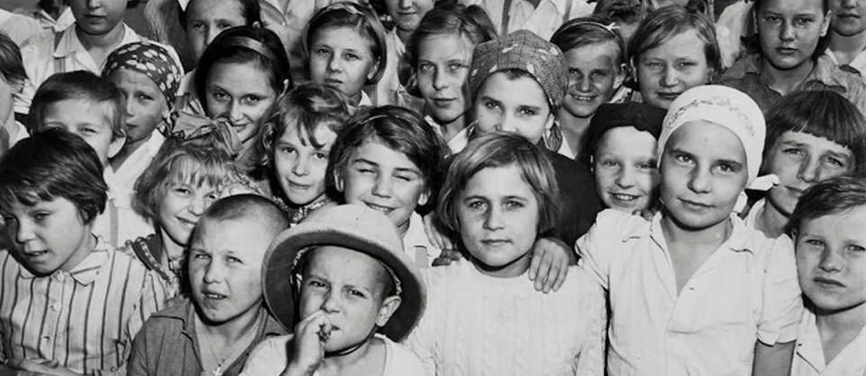 """Imagem do documentário """"Santa Rosa, odisea al hijo del Mariachi"""", sobre os que ficaram conhecidos como os """"niños polacos de León"""", no México, onde foram acolhidos. Essas crianças vieram da Polônia, na época da Segunda Guerra Mundial. Foto: Divulgação"""