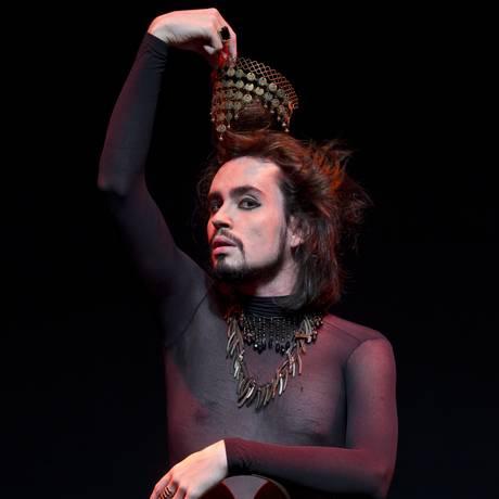 O músico e ator pernambucano Johnny Hooker: 'O trabalho de Wander B. é horrendo' Foto: Guito Moreto / Agência O Globo