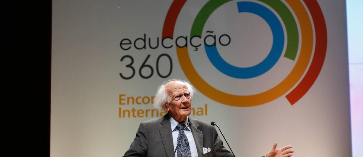 Zygmunt Bauman: internet abala atenção, paciência e perseverança para construir um conhecimento sólido Foto: Foto Pablo Jacob / Agência O Globo