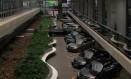 Estacionamento da Assembleia Legislativa de São Paulo: projeto para renovar a frota de carros pode chegar a R$ 4,8 milhões Foto: Marcos Alves / Agência O Globo