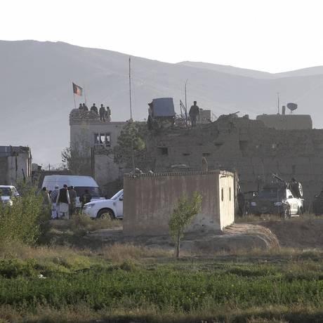 Talibãs invadiram a principal prisão de Ghazni, no Afeganistão, após explosão de carro-bomba Foto: Rahmatullah Nikzad / AP
