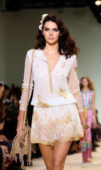 Kendall Jenner para Diane von Furstenberg primavera/verão 2016 TREVOR COLLENS / AFP