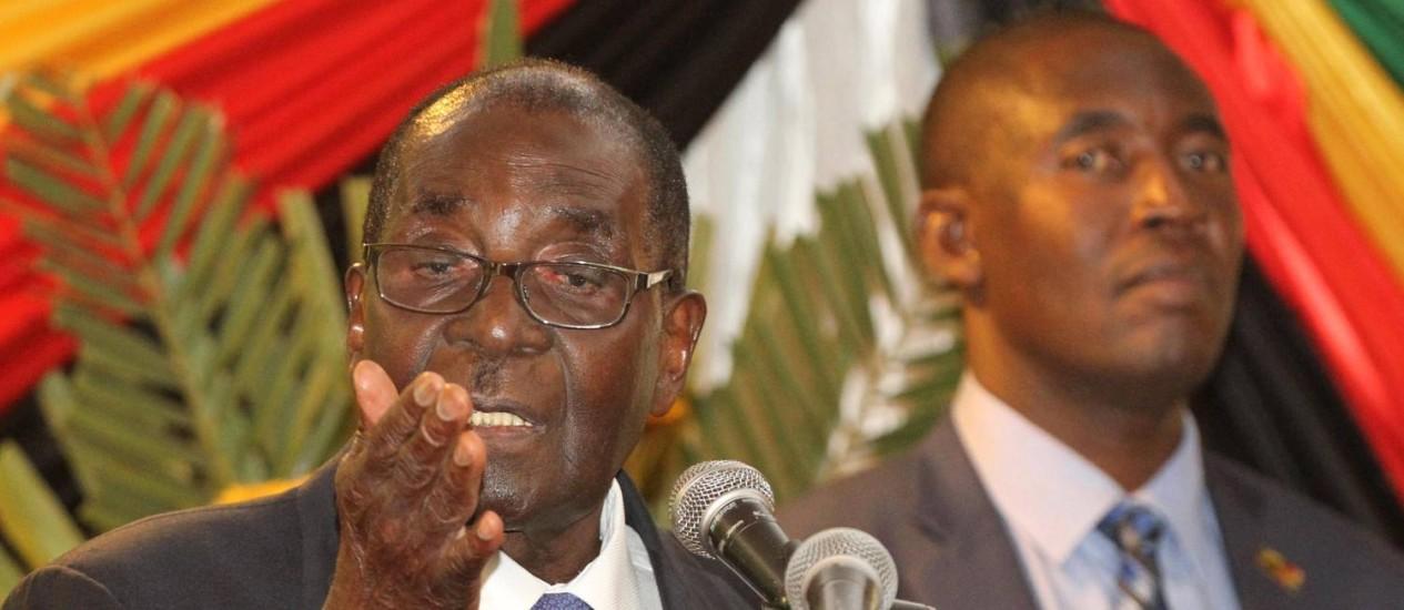 Em hotel, Mugabe enfim faz o discurso que acabou sendo preterido no Parlamento Foto: PHILIMON BULAWAYO / REUTERS