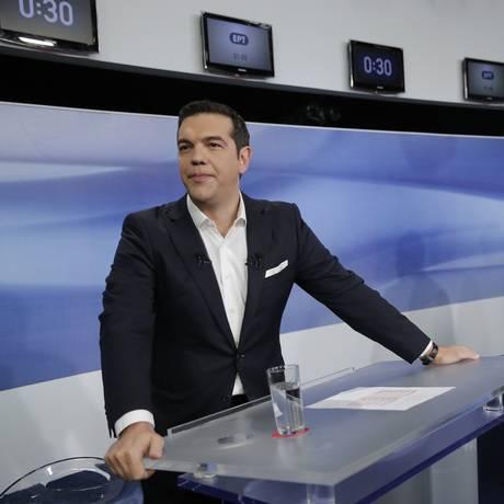 Tsipras e o atual rival conservador, Vangelis Meimarakis, em debate na segunda-feira Foto: Lefteris Pitarakis / AP