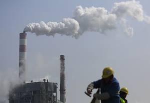Minúsculas partículas presentes na atmosfera são inaladas e se instalam nos pulmões, provocando doenças cardíacas e respiratórias Foto: ALY SONG / REUTERS