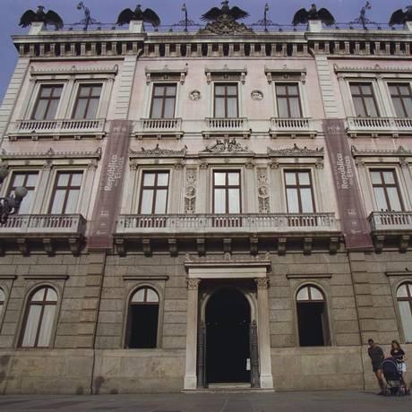 Fachada do Museu da República; funcionários da instituição são alguns dos que querem melhorias Foto: Mônica Imbuzeiro
