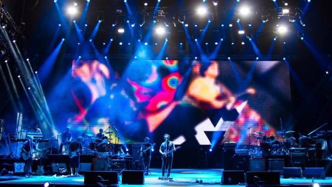 De calouro a veterano, Roberto Frejat (centro) ensaia no principal palco do Rock in Rio para a apresentação que marca os 30 anos do festival Foto: André Lima