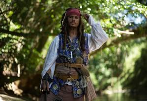 Luiz Pinheiro caracterizado de Jack Sparrow, personagem eternizado por Johnny Depp Foto: Cadú Brito / Arquivo pessoal