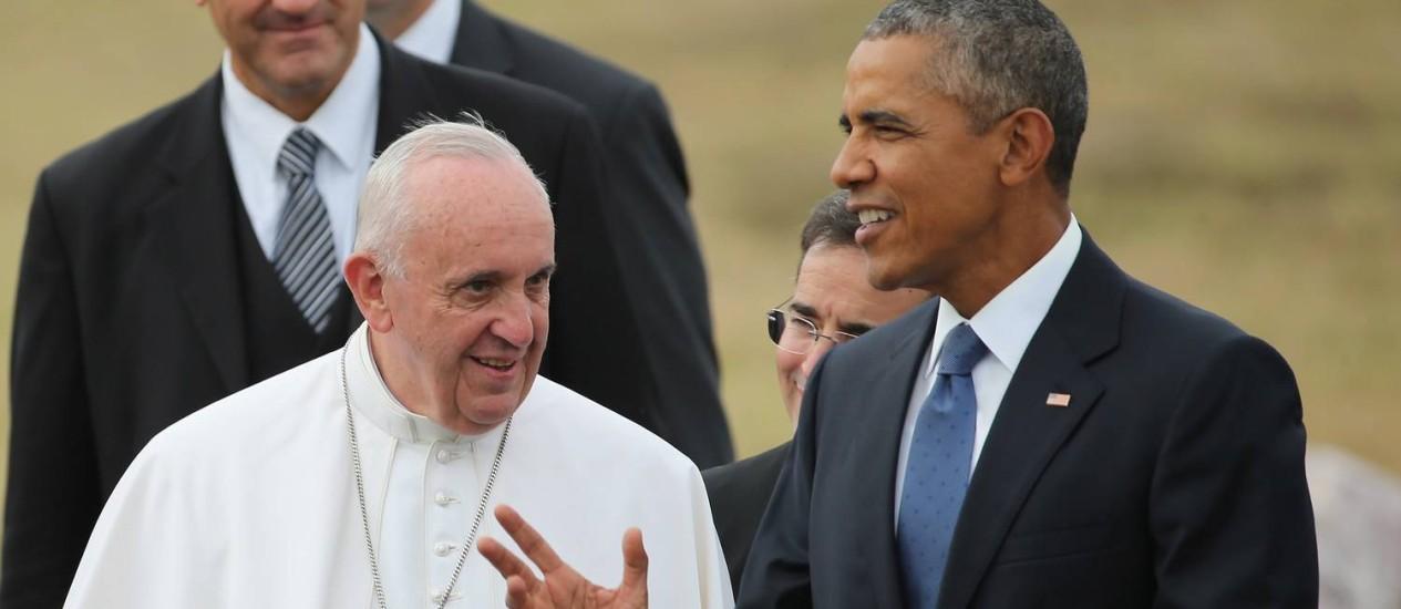 Obama e Francisco conversaram sobre amenidades na chegada do pontífice Foto: CHIP SOMODEVILLA / AFP