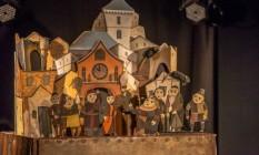"""""""O flautista de Hamelin"""" tem bonecos de vara e brincadeiras com silhuetas Foto: Rodrigo Santos 47 9608 2083 / Divulgação"""