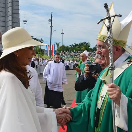 Cristina e Francisco voltaram a se encontrar, desta vez em Havana Foto: HO / AFP