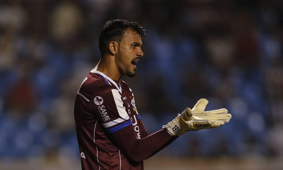 O goleiro Rafael levou um frangaço no primeiro tempo Alexandre Cassiano / Agência O Globo