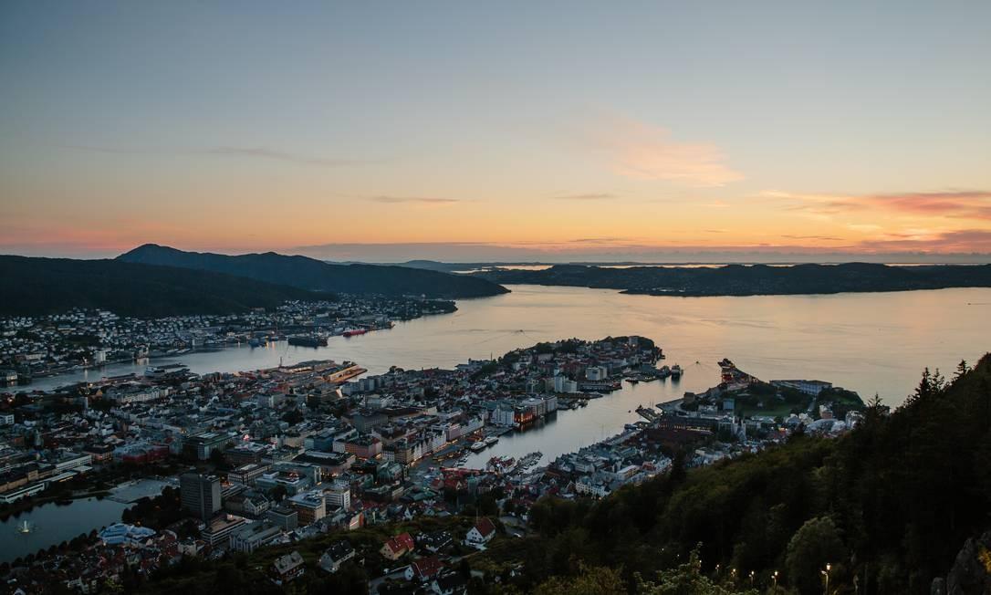 Entardecer em Bergen, na Noruega Foto: Marius Fiskum/Divulgação