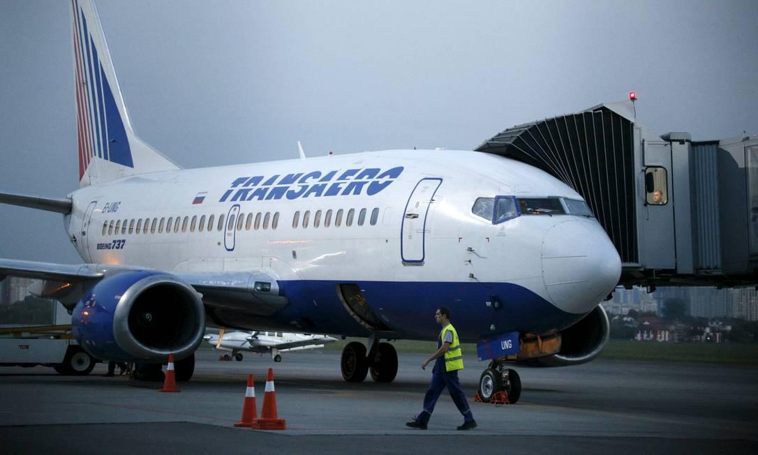 Em Kiev, Boeing 737 da russa Transaero faz manobras: cena tem data para acabar Foto: VALENTYN OGIRENKO / REUTERS