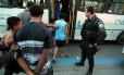 Menores que estavam no ônibus 474 foram levados para a DPCA