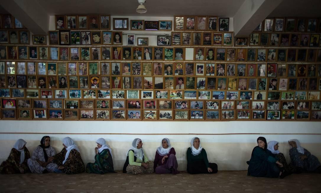Homenagem. Fotos de mais de 700 mártires do PKK expostas no Iraque Foto: Alice Martins / Alice Martins