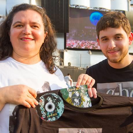 Norma Meireles e Leonardo Amback, fãs de A-Ha Foto: Andre Lima / O Globo