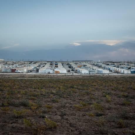 Campo de refugiados em Duhok onde vivem 14 mil yazidis que sobreviveram ao massacre do EI Foto: Alice Martins / Agência O Globo