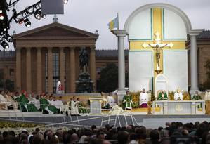 O Papa Francisco celebra missa durante o Encontro Mundial de Famílias, na Filadélfia Foto: CARL COURT / AFP