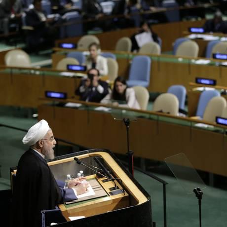 Em discurso na Assembleia Geral da ONU, Hassan Rouhani afirma que o maior desafio é o combate ao terrorismo Foto: Seth Wenig / AP