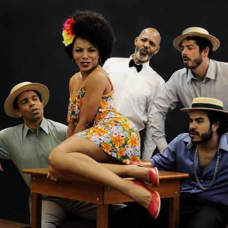 Cena de 'Ataulfo Alves — O bom crioulo', peça que abre a programação do projeto 'Melanina acentuada' no Teatro Dulcina Foto: Eric Paiva / Divulgação