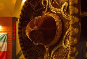 Sombreros seriam distribuídos durante recepção de calouros Foto: Guilherme leporace / Agência O Globo