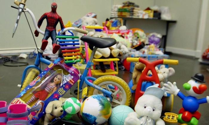 Brinquedos serão doados a crianças carentes Foto: Letícia Pontual / O Globo