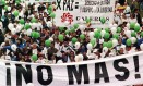 Frustração. Colombianos participam de ato em Bogotá para exigir a paz: marcha coincidiu com tentativa de acordo entre o governo e as Farc Foto: Valerie Berta 24/10/1999 / AFP