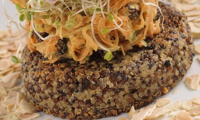 Hambúrguer de quinoa do Pomar Orgânico Foto: Erik Barros / Divulgação